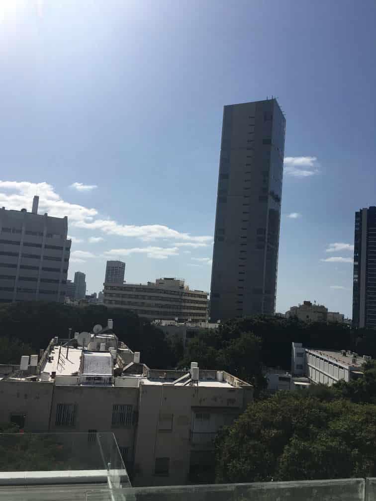נוף מבט תל אביבי